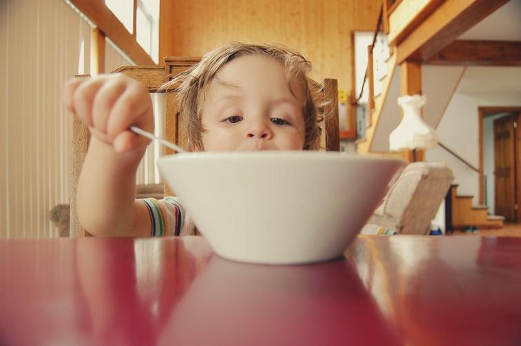 Autyzm – przystosowania żywieniowe