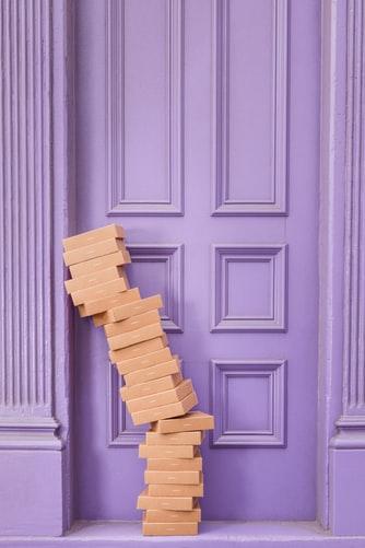 Pudełkowa ścieżka – domowe zabawy sensoryczne